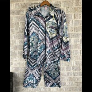 NWT!!! Victoria Secret pajama set in medium.